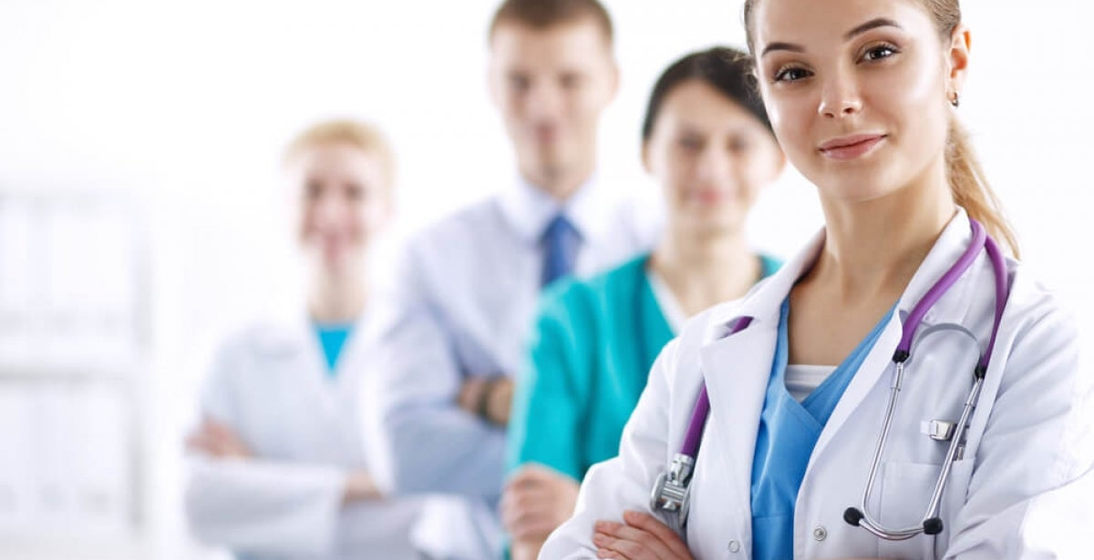 How Does Advanced Pharmacology Help Family Nurse Practitioners Manage Medication Plans?